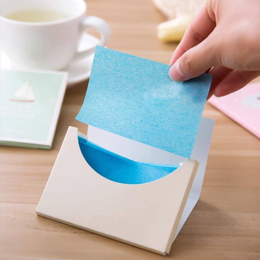 Dùng giấy thấm dầu đúng cách để không gây khô da mà vẫn mịn màng