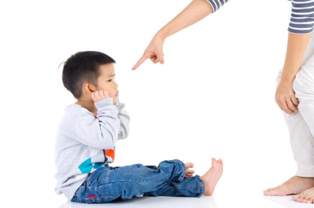 """Cha mẹ nên làm gì với những đứa trẻ """" Khó bảo"""" từ bé"""